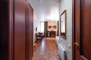 Kon-Tiki Boutique Hotel, Bed & Breakfasts  Sankt Petersburg - big - 11
