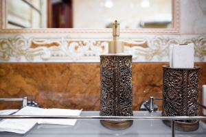 Kon-Tiki Boutique Hotel, Bed & Breakfasts  Sankt Petersburg - big - 15