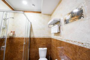 Kon-Tiki Boutique Hotel, Bed & Breakfasts  Sankt Petersburg - big - 16