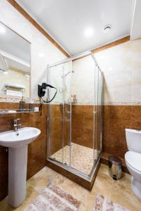 Kon-Tiki Boutique Hotel, Bed & Breakfasts  Sankt Petersburg - big - 18