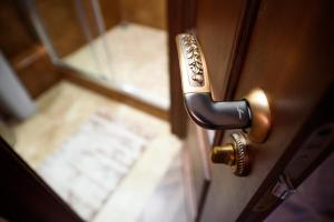 Kon-Tiki Boutique Hotel, Bed & Breakfasts  Sankt Petersburg - big - 31