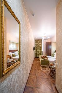 Kon-Tiki Boutique Hotel, Bed & Breakfasts  Sankt Petersburg - big - 41