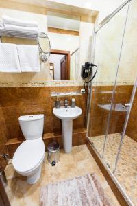 Kon-Tiki Boutique Hotel, Bed & Breakfasts  Sankt Petersburg - big - 42
