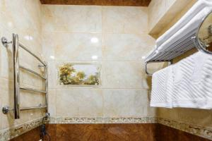 Kon-Tiki Boutique Hotel, Bed & Breakfasts  Sankt Petersburg - big - 44