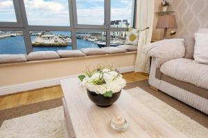 Sea View Luxury City Centre - Best Location, Apartmány  Galway - big - 18