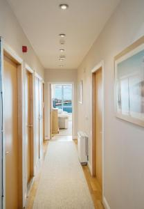 Sea View Luxury City Centre - Best Location, Apartmány  Galway - big - 15
