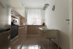 Ada Apartment, Appartamenti  Braşov - big - 14