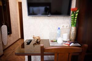 Kon-Tiki Boutique Hotel, Bed & Breakfasts  Sankt Petersburg - big - 56