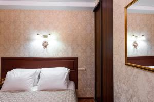 Kon-Tiki Boutique Hotel, Bed & Breakfasts  Sankt Petersburg - big - 65