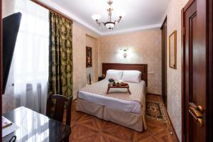 Kon-Tiki Boutique Hotel, Bed & Breakfasts  Sankt Petersburg - big - 67