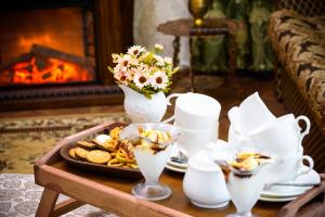 Kon-Tiki Boutique Hotel, Bed & Breakfasts  Sankt Petersburg - big - 87
