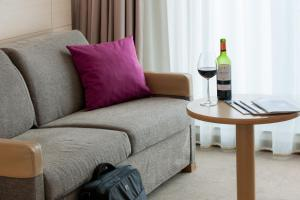 Standaard Tweepersoonskamer met 1 Tweepersoonsbed en 1 Slaapbank (3 Volwassenen)