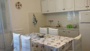casa iole, Holiday homes  Arcola - big - 13