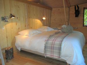 B&B La Cabane du Bois Dormant, Bed & Breakfast  Spa - big - 13