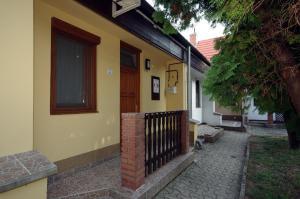 Milán Apartman-Gyula, Appartamenti  Gyula - big - 1