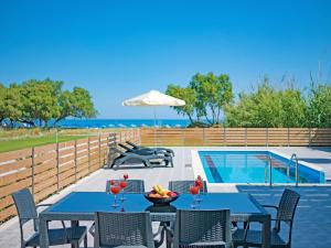 Blue Oyster Villas, Vily  Platanes - big - 33
