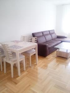 Apartman 18, Баня-Лука
