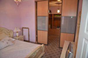 Квартира на Островитянова, Apartmanok  Moszkva - big - 9
