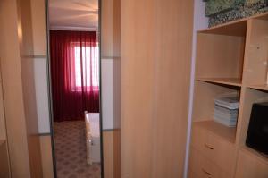 Квартира на Островитянова, Apartments  Moscow - big - 11
