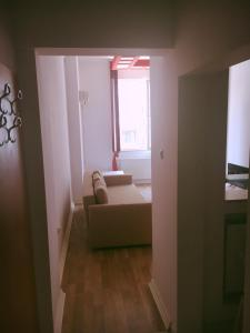 Red Flat, Apartmanok  Bukarest - big - 19