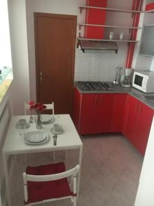 Red Flat, Apartmanok  Bukarest - big - 31