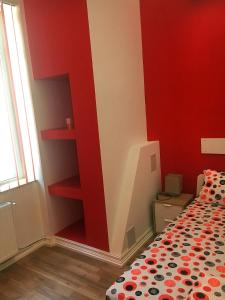 Red Flat, Apartmanok  Bukarest - big - 33