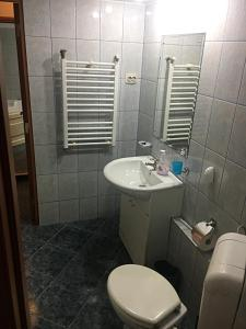 Red Flat, Apartmanok  Bukarest - big - 37