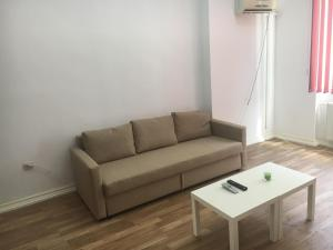 Red Flat, Apartmanok  Bukarest - big - 49