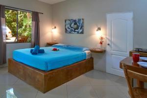 Playa Negra Surf Lodge