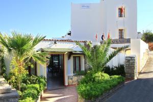 Hotel Oya & Suites