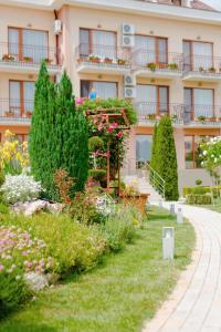Family Hotel Vega, Отели  Святые Константин и Елена - big - 35