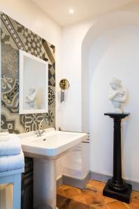 Les chambres d'Aimé, B&B (nocľahy s raňajkami)  Carcassonne - big - 20