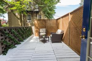 Applewood Suites - Bathurst & College, Apartmány  Toronto - big - 36