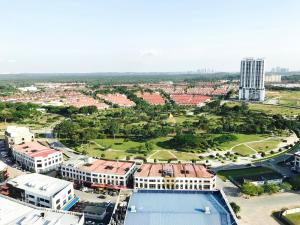 Sky Loft, Bukit Indah JB, Ferienwohnungen  Johor Bahru - big - 4