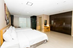 Rich Hotel, Hotels  Jeju - big - 27