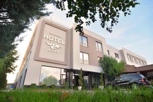Te Stela Hotel, Тирана