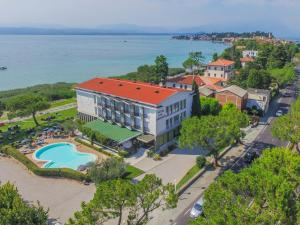 Prenota Hotel Miramar