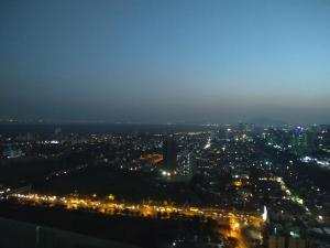 Premium Apartment on 32nd floor, Apartmanok  Mumbai - big - 1