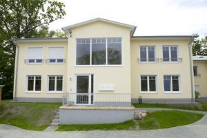 Haus Ostseeblick, Ferienwohnungen  Göhren - big - 1
