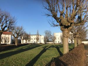 Wohnen wie die Fuersten WE17640, Ferienwohnungen  Putbus - big - 11
