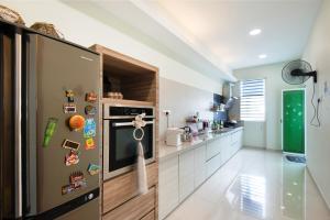 Zan Pavillon Spacious & Natural Stay, Apartmanok  Bayan Lepas - big - 4