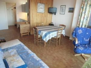 Apartment Le cap 2000 - Chamrousse