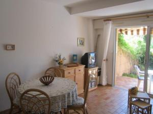 Apartment Parcs de la fouasse, Apartmány  Le Lavandou - big - 8