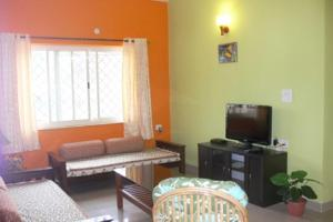 Apartment room with a shared pool, by GuestHouser, Apartments  Saligao - big - 10