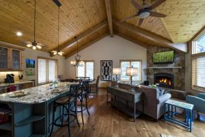 4515 Bighorn Road #227457 Home, Holiday homes  Vail - big - 4