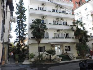 Тирана - Hotel Europa