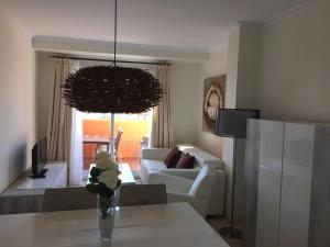 Luxury furnished 1 Bedroom with views AA16, Appartamenti  Marbella - big - 3