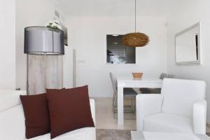 Luxury furnished 1 Bedroom with views AA16, Appartamenti  Marbella - big - 4