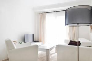 Luxury furnished 1 Bedroom with views AA16, Appartamenti  Marbella - big - 5
