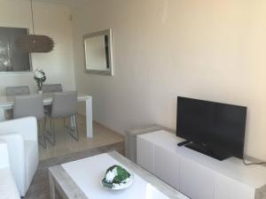 Luxury furnished 1 Bedroom with views AA16, Appartamenti  Marbella - big - 9